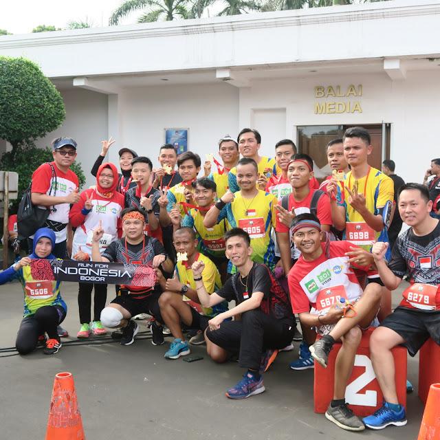 Komunitas Indo Runner Bogor yang sedang berfoto