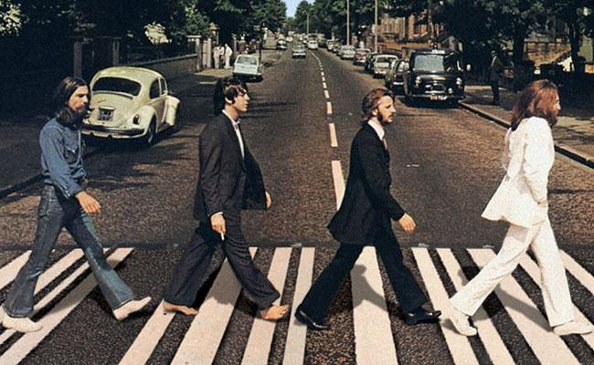 Terjemahan Lirik Lagu And I Love Her ~ The Beatles