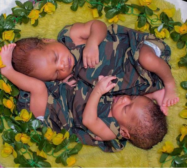 Alaafin-of-Oyos-twins-1