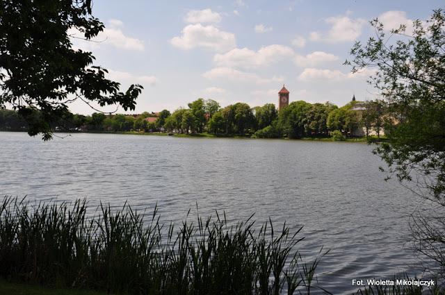Szczytno: Wyższa Szkoła Policji, jeziora Domowe Małe i Duże, charakterystyczny ratusz oraz niesamowita bliskość natury!