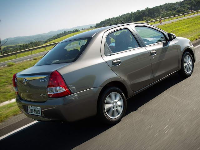 Toyota Etios Automático 2017 Sedã