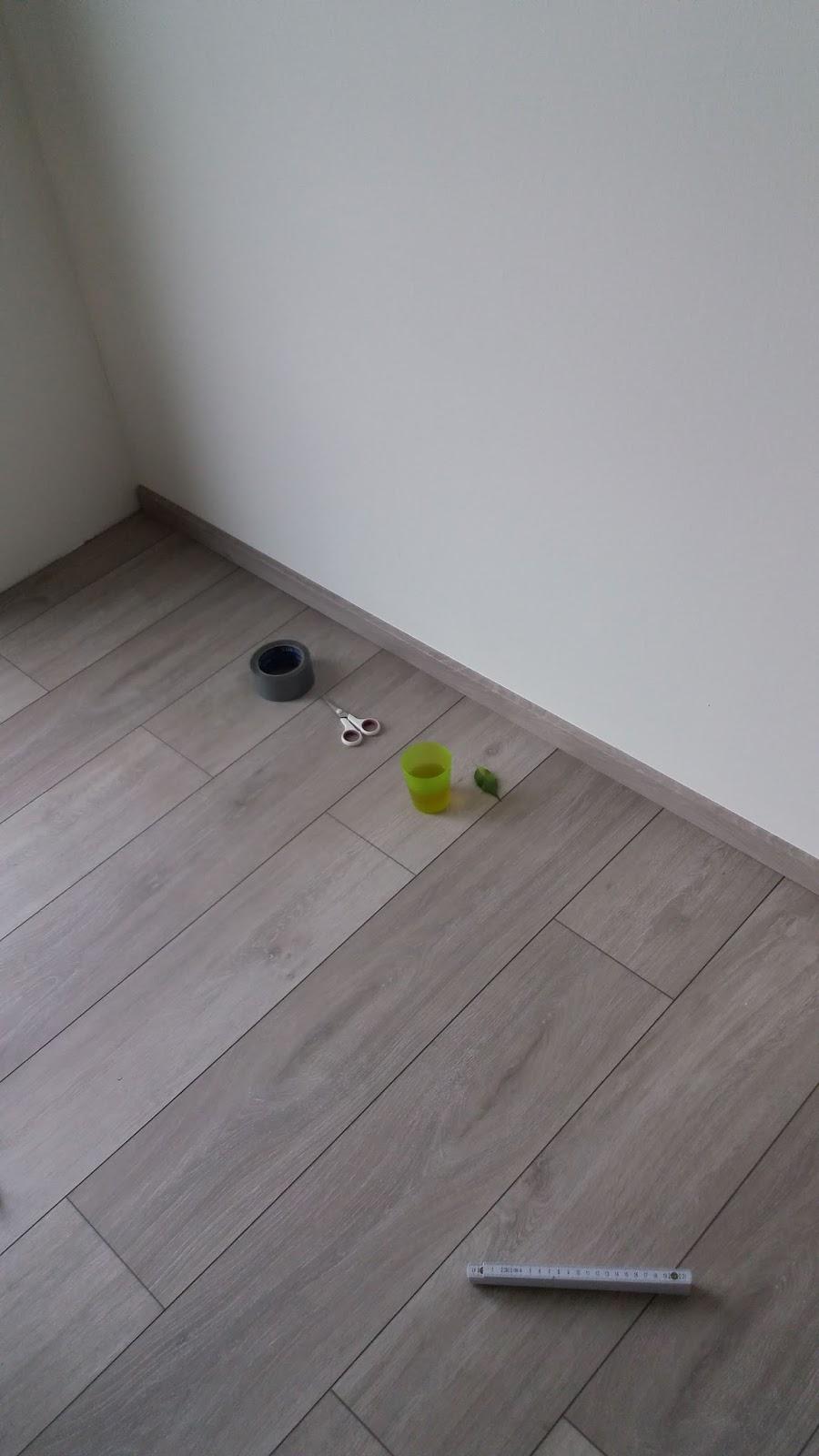 randleisten laminat finest chicflex eiche eleganz with randleisten laminat cheap schritt. Black Bedroom Furniture Sets. Home Design Ideas