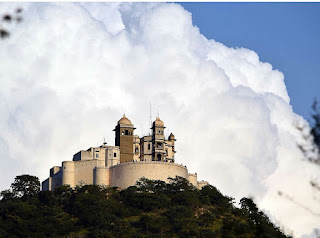 Sajjangarh Palace, Monsoon Palace, Monsoon Palace Udaipur, Sajjan Garh Monsoon Palace Udaipur, Heritage Sites in Udaipur, Heritage of India, Indian Heritage, Udaipur Tourism, Tourist Information of Udaipur, Udaipur Tourist Information, Udaipur Tourist Attractions