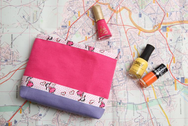 An Easy Way to Sew a Bright Zip Vanity-Bag. DIY Tutorial