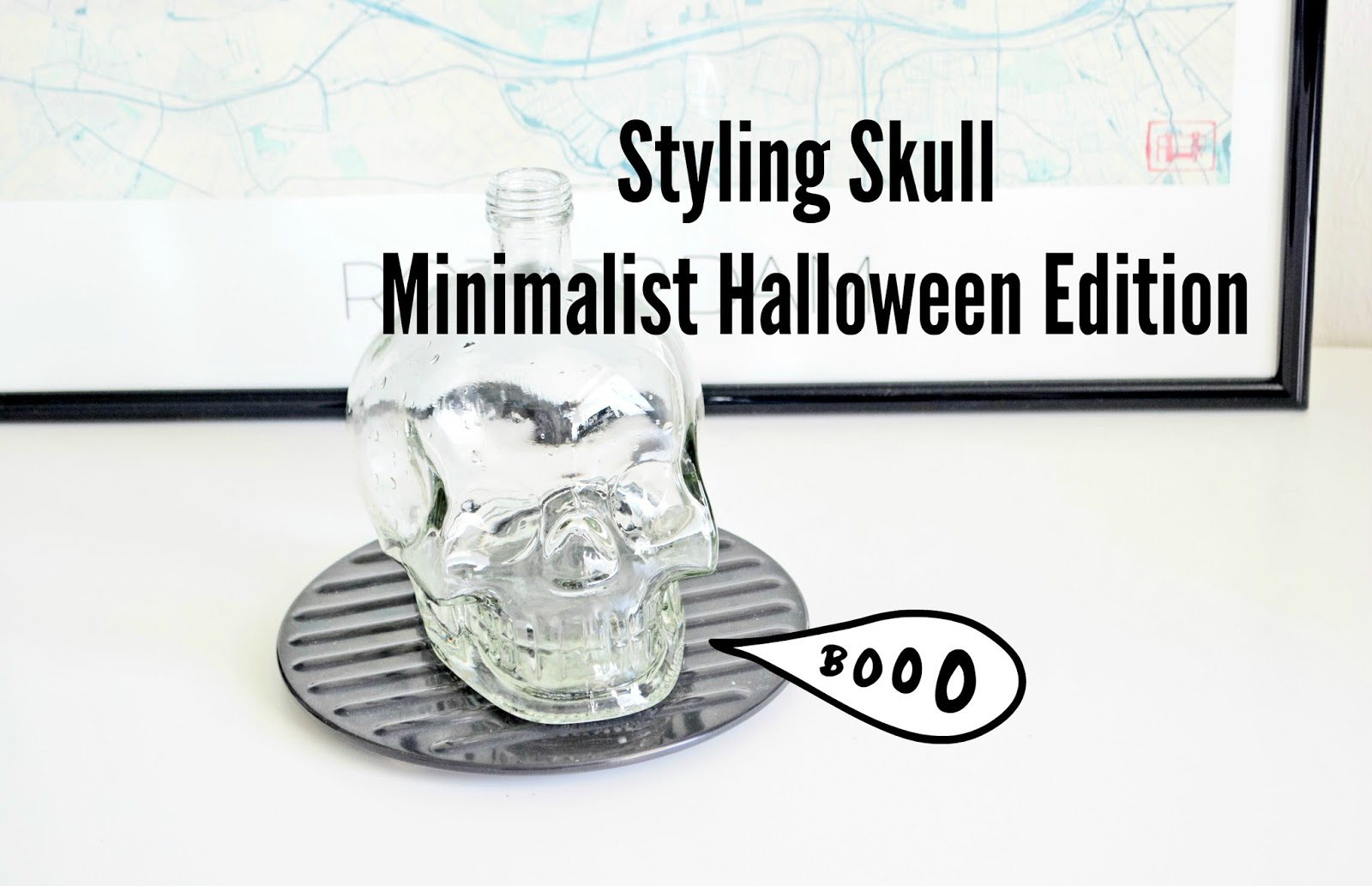 Styling Skull Minimalist Halloween