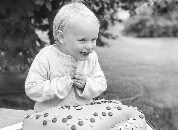 Prince Carl Philip and Princess Sofia of Sweden have celebrated their youngest son's third birthday by sharing a new photo. birthday cake