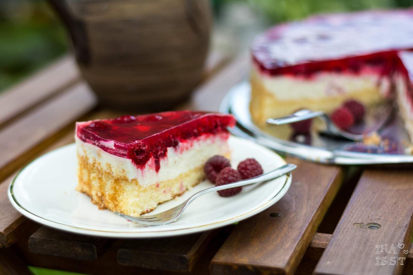 Rezept für Omas Himbeer-Joghurt-Torte, Torte im Sommer