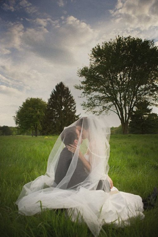 amazing wedding photo poses bridal veil