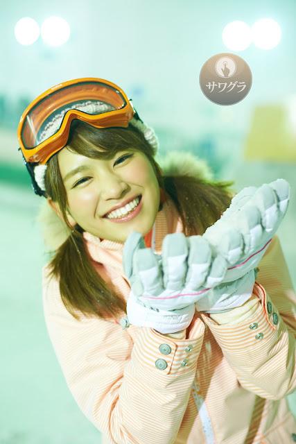Hisamatsu Ikumi 久松郁実 SNOW ROMANCE Images 13