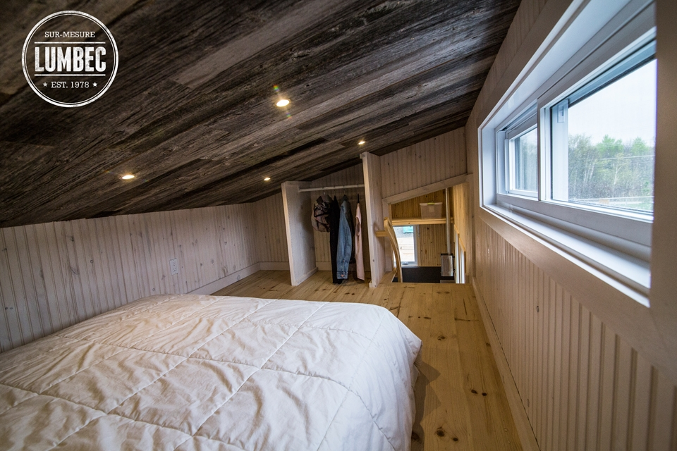 19-Lumbec-Tiny-House-with-a-lot-of-Architectural-Character-www-designstack-co