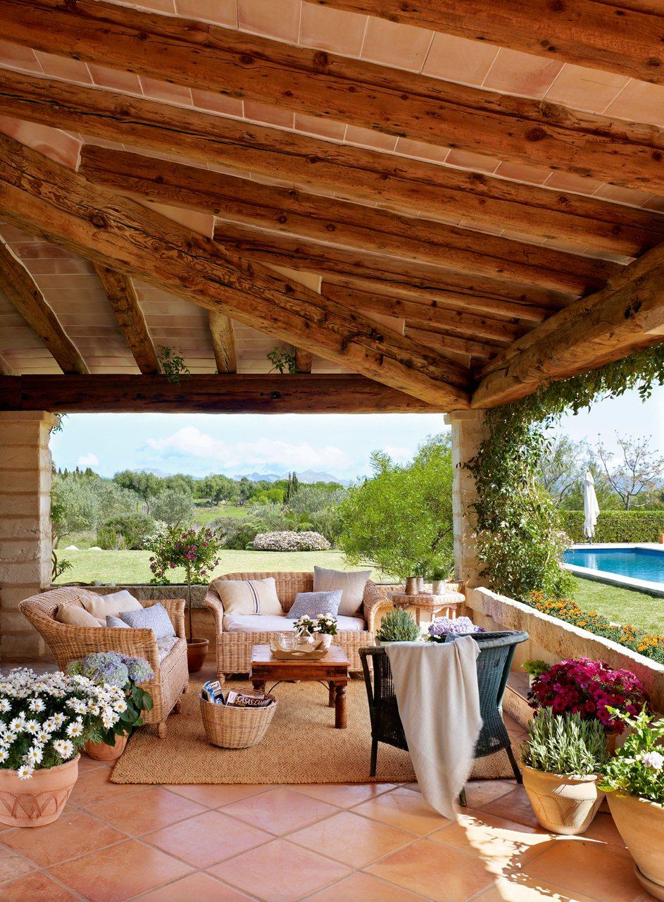 Vid ki porta mediterr n villa for Jardines de casas rusticas