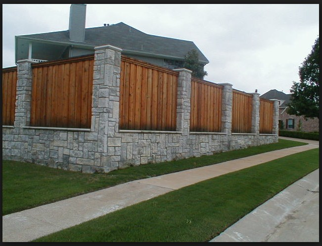 Model pagar rumah minimalis dengan batu alam