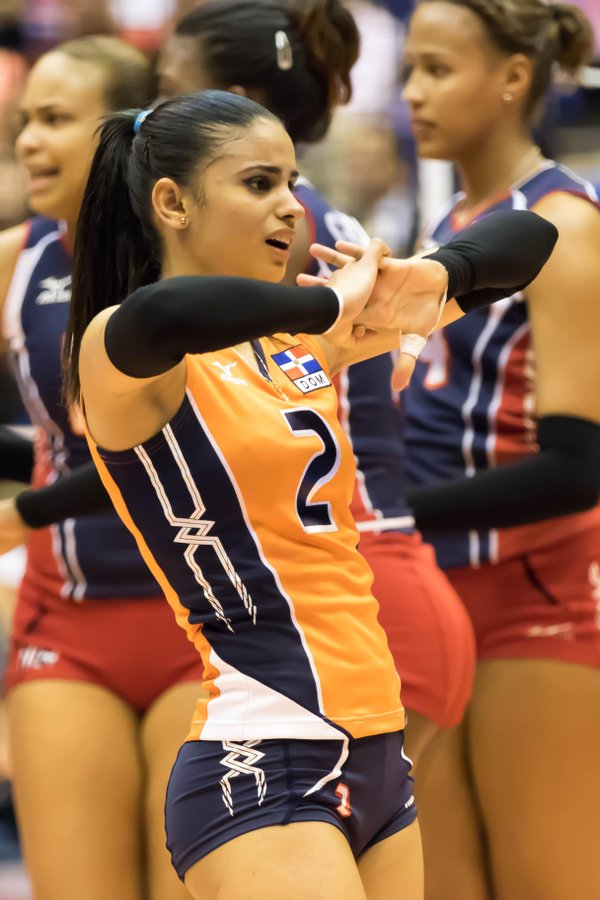 winifer fernandez sexy volleyball player 01