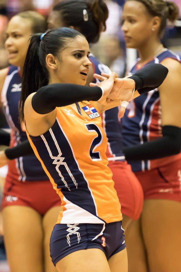 winifer fernandez sexy volleyball player 01