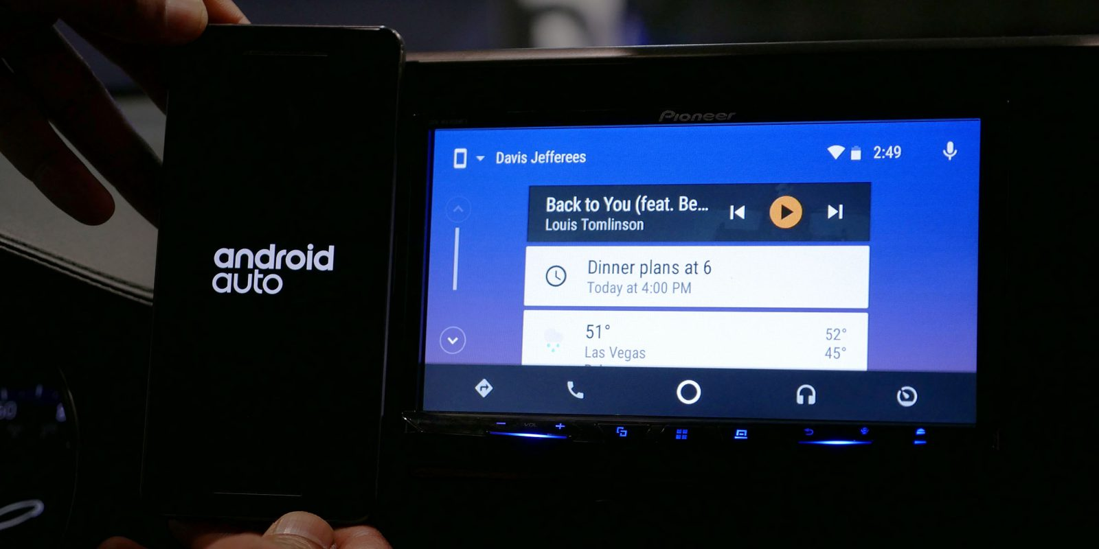 Pixel and Nexus owners can now use Android Auto wirelessly