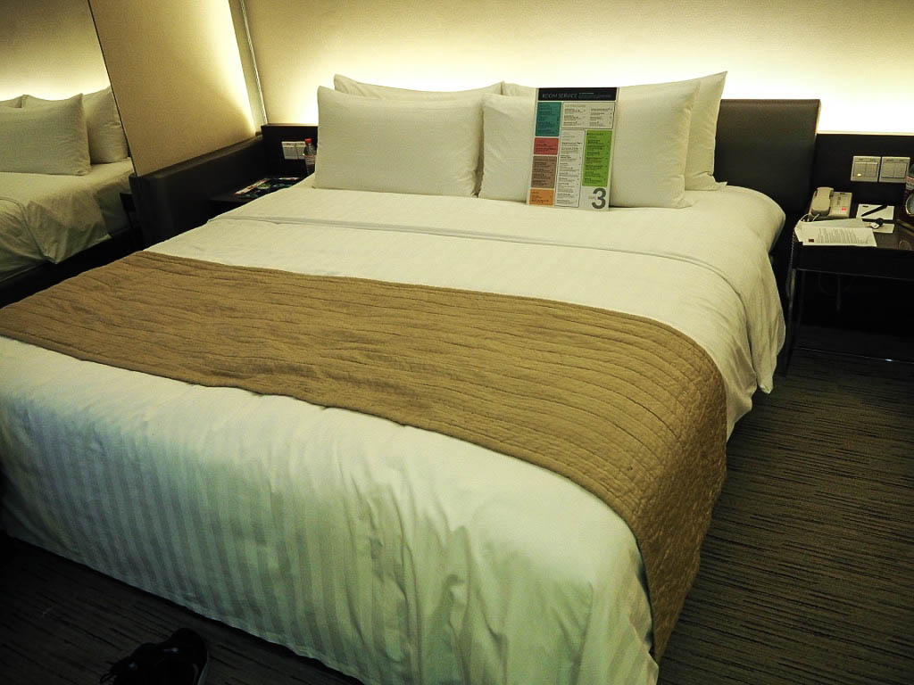 king size bed traders hotel kuala lumpur