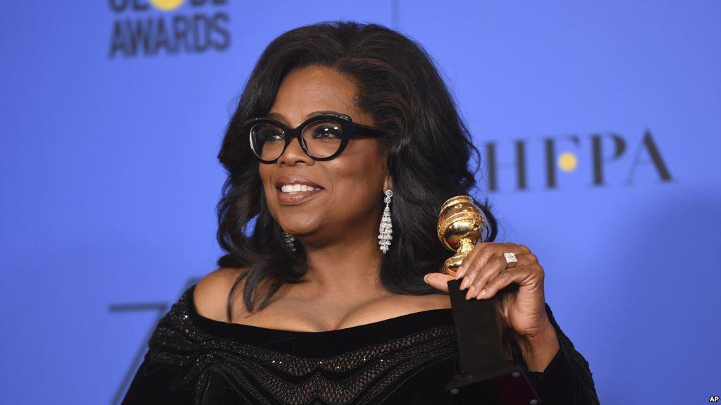 La presentadora de televisión fue galardonada con el Cecil B. DeMile en los Globos de Oro