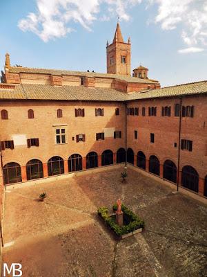 abbazia monte oliveto maggiore chiostro