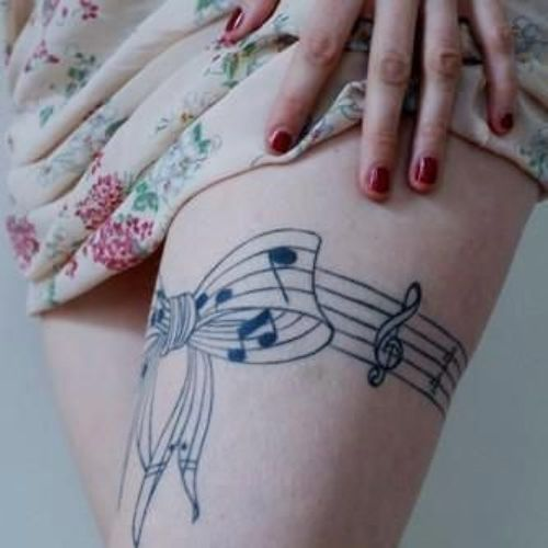 Uma bela música, desenho de tatuagem para as meninas na coxa, o seu muito legal o design de todas as meninas gostariam de tinta