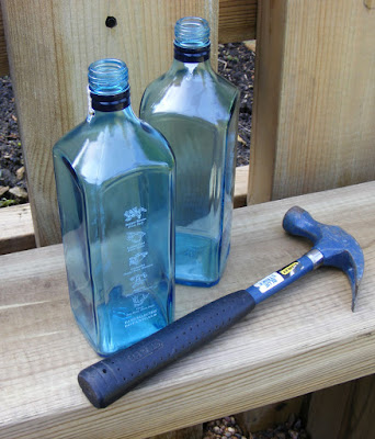 Recycling Bombay Sapphire bottle into beads