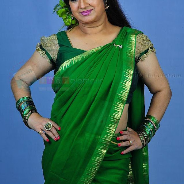 Mallu aunty Kalpana hot in saree