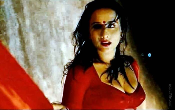 Bold Vidya Balan The Dirty Picture Movie Shots  Latest -5844