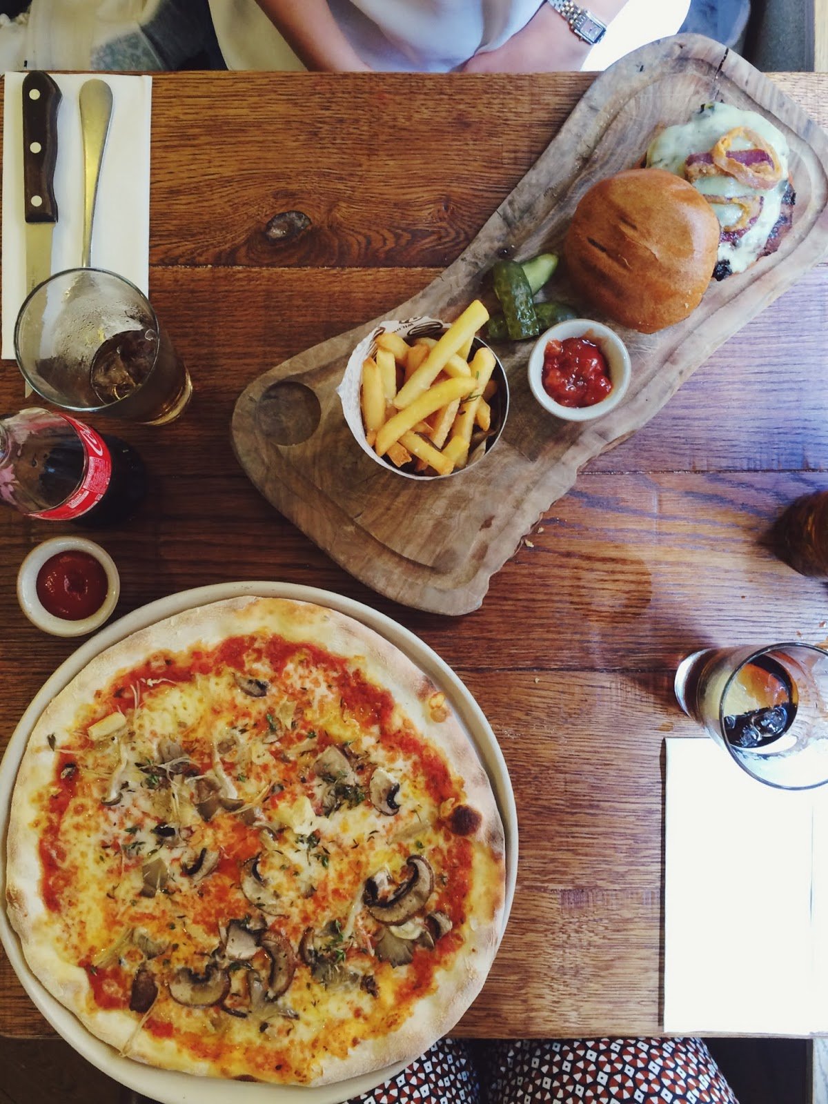 Wildwood Salisbury review, FashionFake, UK food blogs, wild mushroom pizza