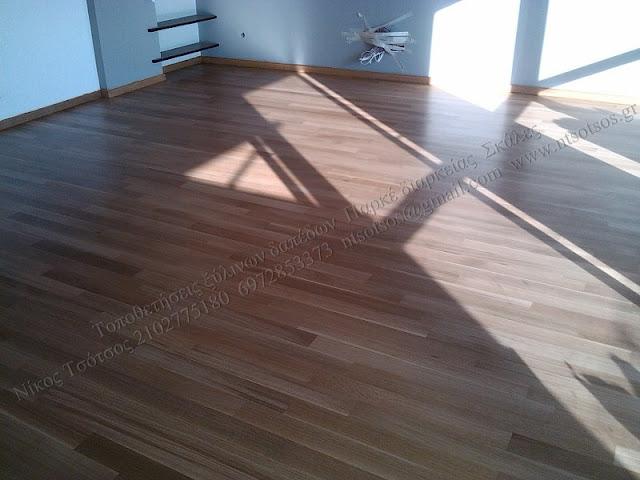 Λουστράρισμα σε ξύλινο δάπεδο