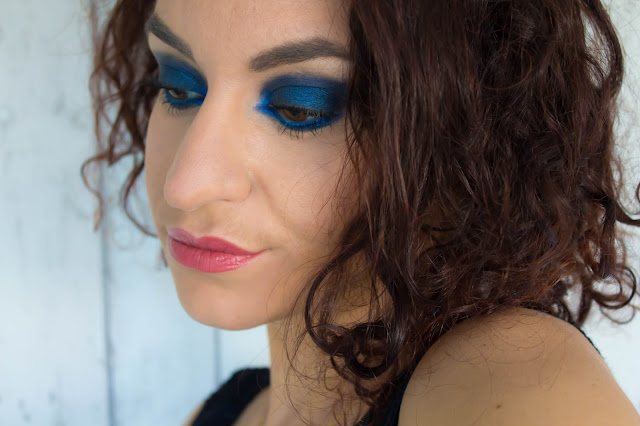 Monday Shadow Challenge : Monochrome | All night blue