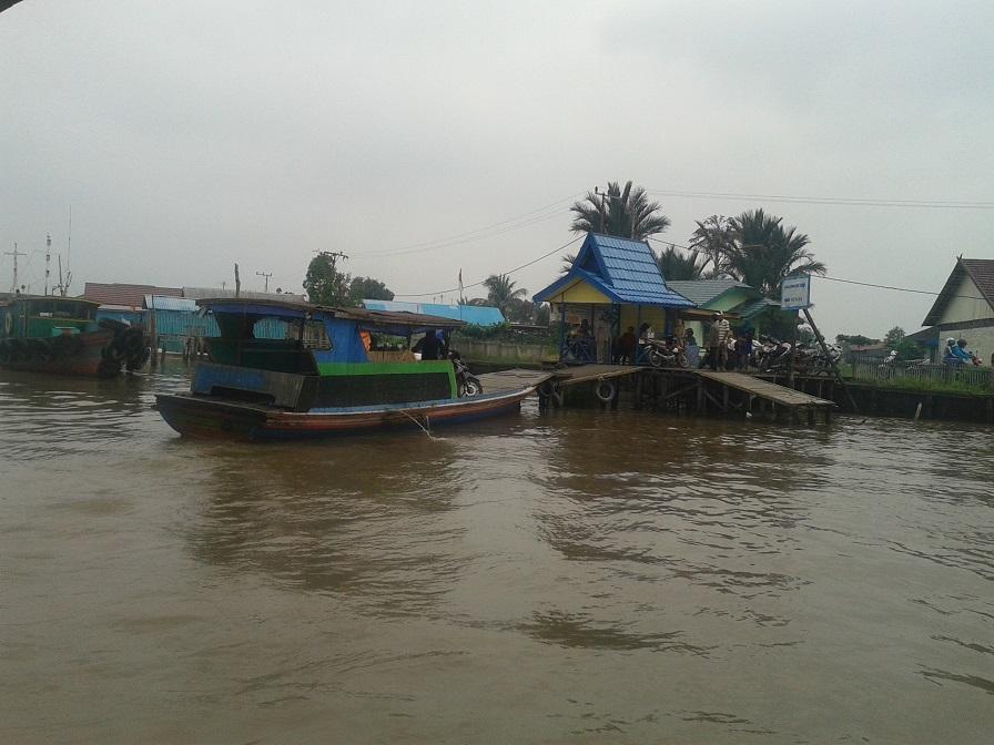 Dermaga Sungai Barito di Kelurahan Lepasan, Batola - Kalimantan Selatan