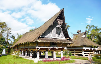 Rumah Adat Sumatera Utara , Gambar, dan Penjelasannya