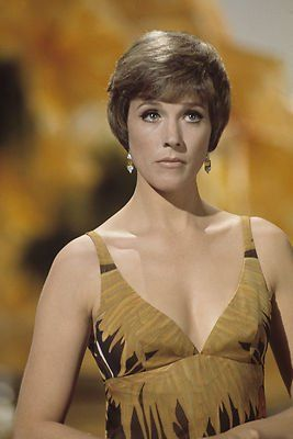 Yesterday Today: 37 Beautiful Photos of Actress Julie Andrews in the 1950s and 1960s
