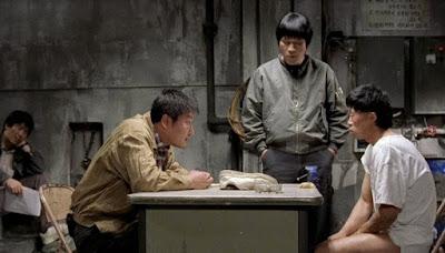 Detektif Seo, Park dan Cho melakukan investigasi