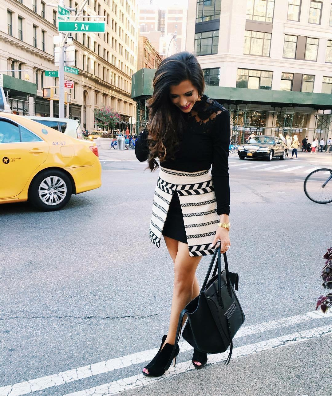 emily gemma, the sweetest thing blog, Alice and olivia Daysi skirt, vince camuto peep toe booties, alice and olivia fall 2016, fall outfit ideas pinterest