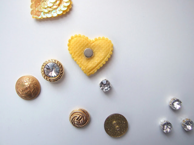 Five Minute Crafts - Diy Button Magnets - Gathering Beauty
