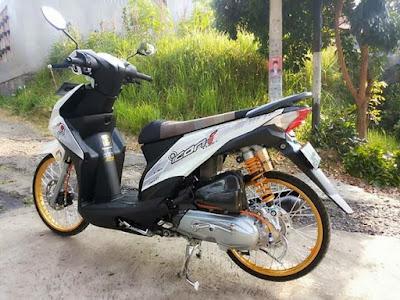 Modif Honda Beat FI 2018 Putih Jari Jari Gold