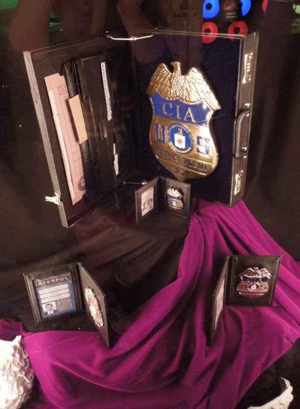 Muppets Most Wanted police badge props