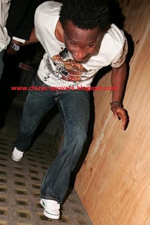 Mikel Obi Spotted In A London Club Running From Paparazzi! 1