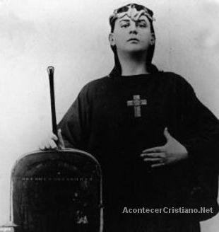 Secta satánica llamada O.T.O. recluta estrellas de Hollywood