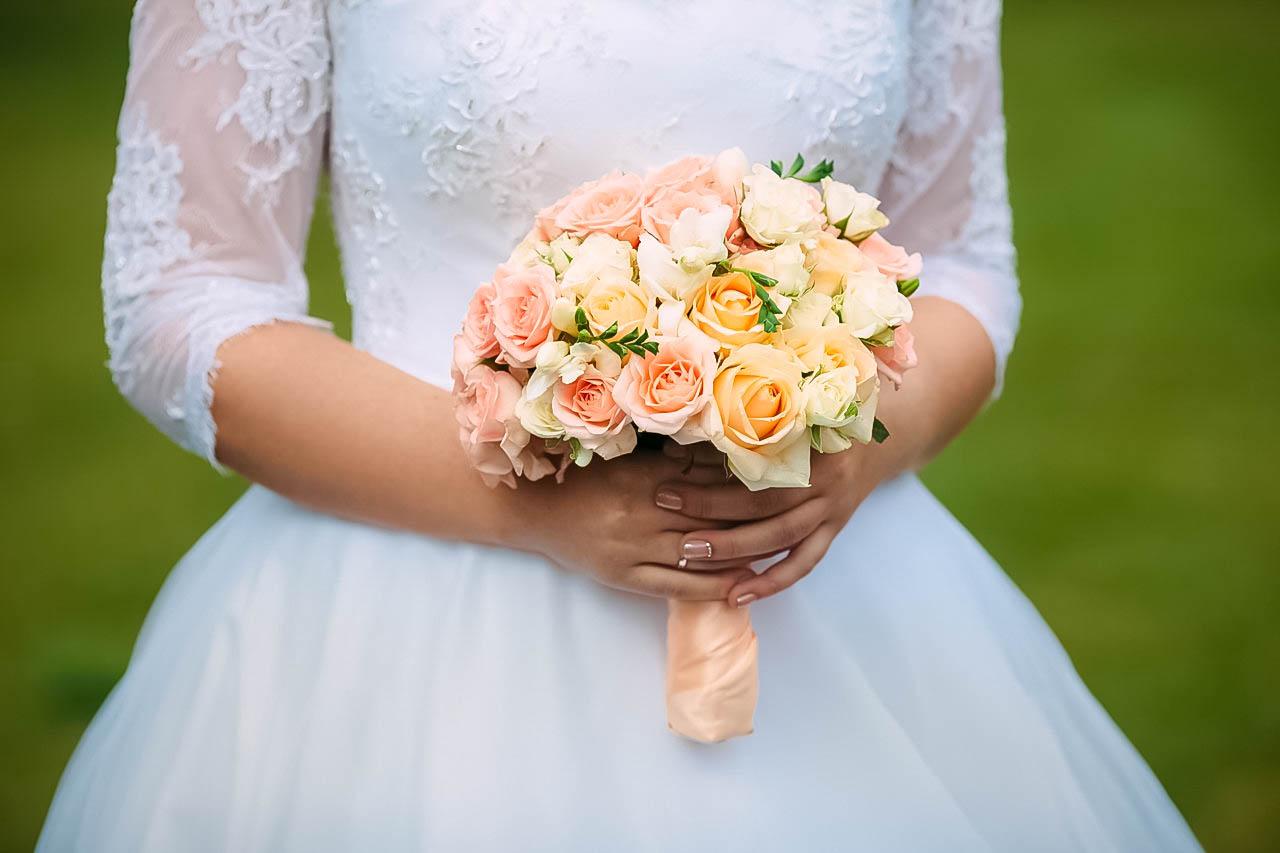 Букет невесты персикового цвета фото