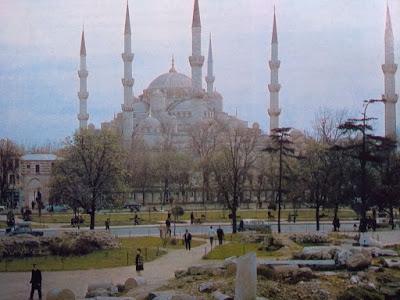 Foto Masjid Biru di Instambul, Turki