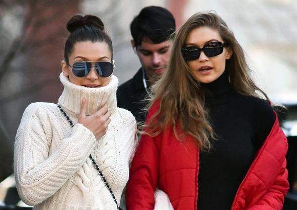 2017-01-29 ジジ・ハディッド(Gigi Hadid) ベラ・ハディッド(Bella Hadid)母ヨランダ・ハディッド(Yolanda Hadid)ニューヨークでブランチ。
