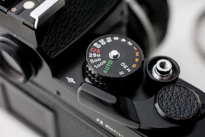 shutter speed atau kecepatan rana ialah merupakan satu dari tiga buah fungsi kontrol dasa Pengertian Shutter Speed Di Dunia Fotografi