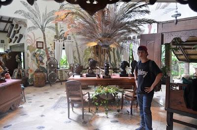 Rumah Keramik F Widayanto