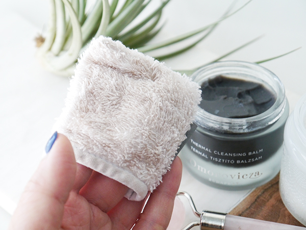 Omorovicza Thermal Cleansing Balm cleansing mitt