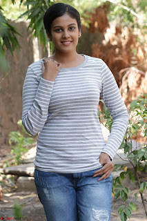 Actress Chandini in ed Tight Top at Ennodu Yilayadu tamil movie press meet ~  53.jpg