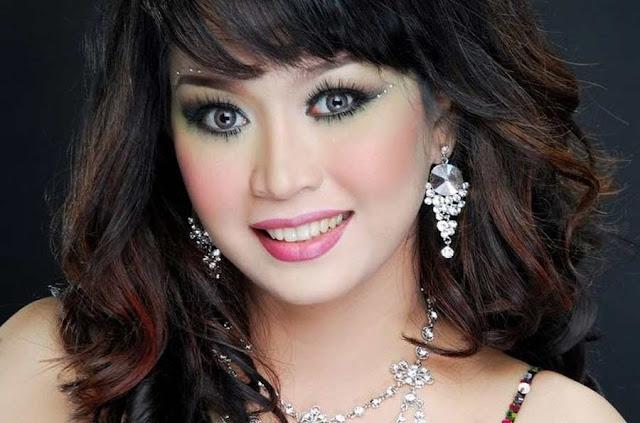 Artis Janda Indonesia Cantik dan Sexy