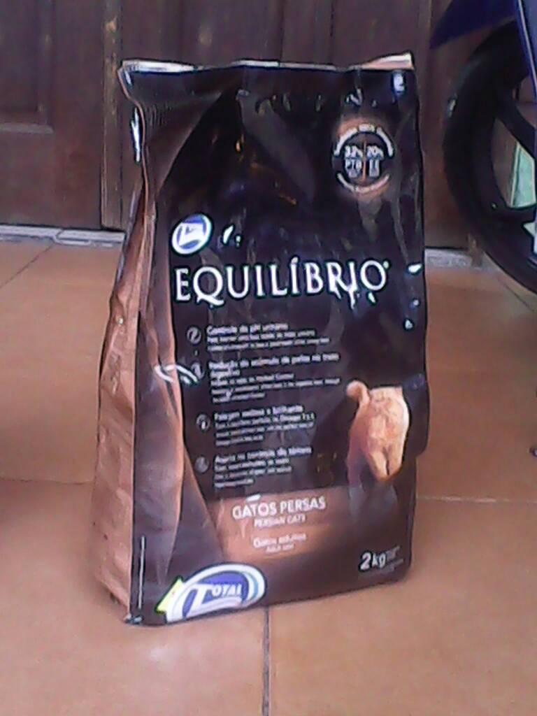 Makanan Kucing Cat Food Equilibrio Adult Hairball Repack 500 Gr Persia Dewasa