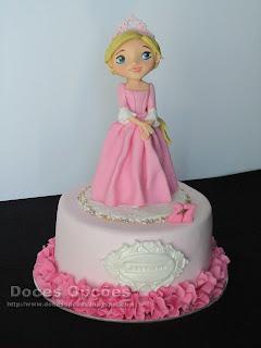 Bolo de aniversário com uma princesa