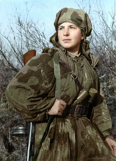 Reconnaissance engineer (sapper) Sima (Alexandra) Dneprovskaya, Women color photos worldwartwo.filminspector.com